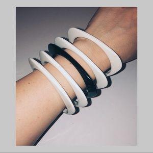 🕺🏼VINTAGE 1960s Acrylic Bracelets
